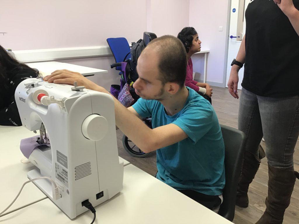Sense learner sewing using a sewing machine