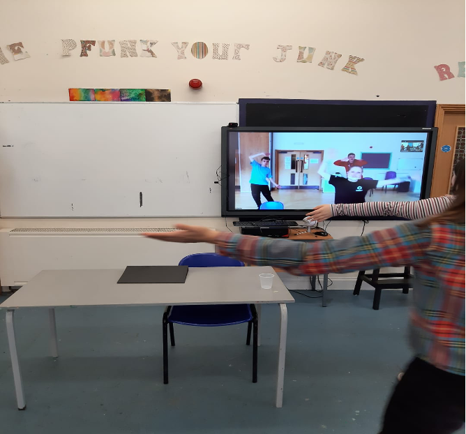 Students busy with an excersise session using Zoom